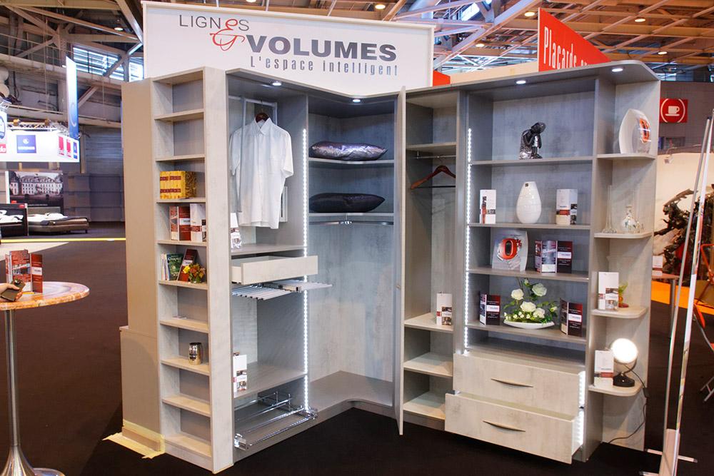 Actualit s lignes et volumes meubles et agencements sur for Vente sur stand
