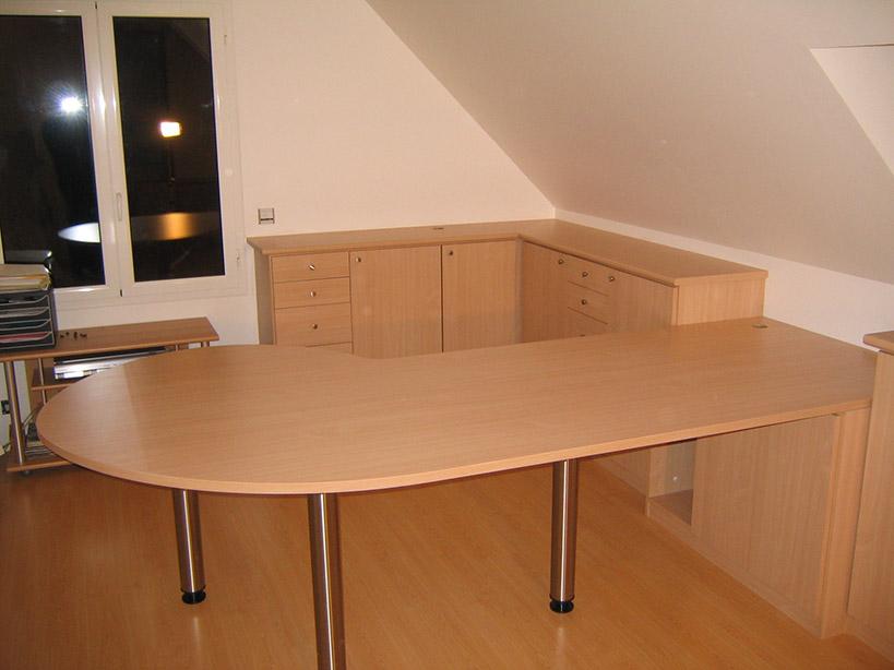bureaux sur mesure. Black Bedroom Furniture Sets. Home Design Ideas